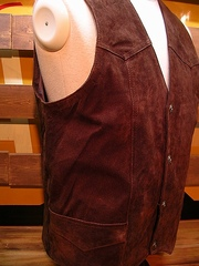 Boar Suede Vest(Chocolate)-写真3