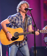 dierks_bentley_09-x600.jpg